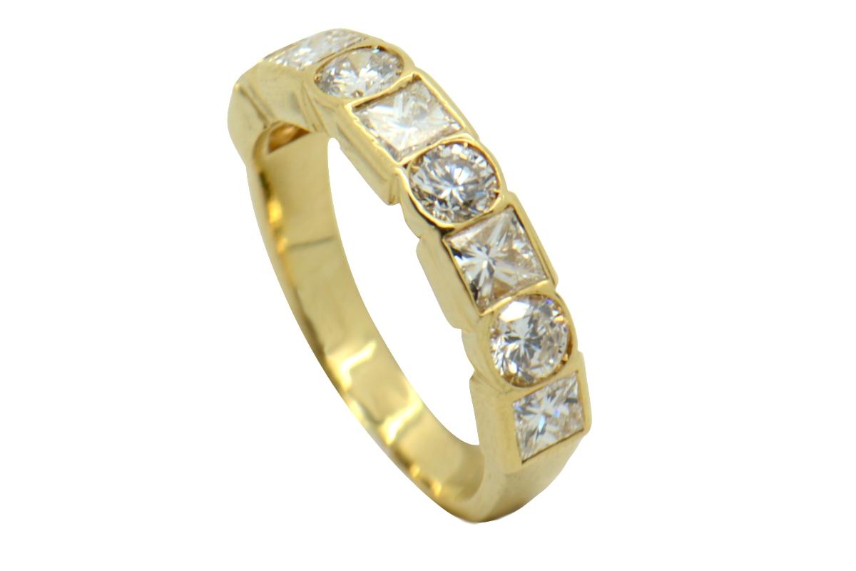 Massoni gold and diamond ring